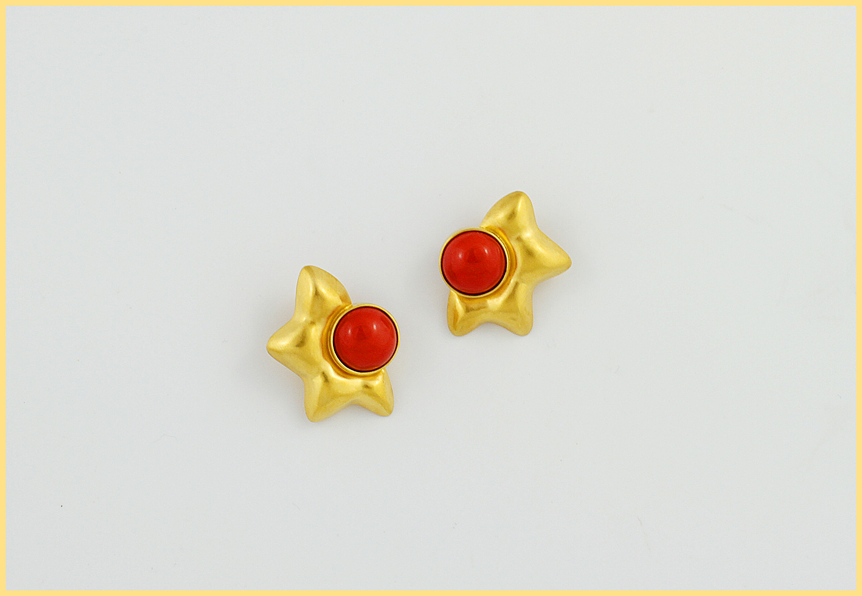 Korallenohrclips 18 Karat Gelbgold